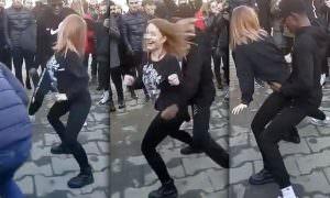 Пришлось извиняться: темнокожего студента обвинили в «грязных танцах» с осетинкой