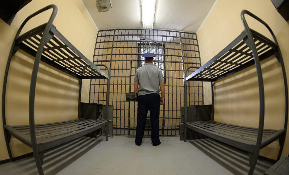 Генпрокуратура призвала меньше арестовывать за преступления небольшой и средней тяжести