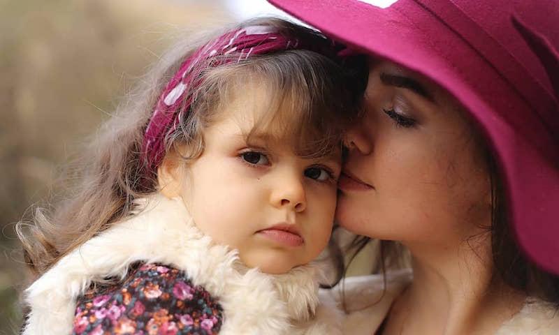 Двухлетняя Ксюша с неизлечимым заболеванием стала