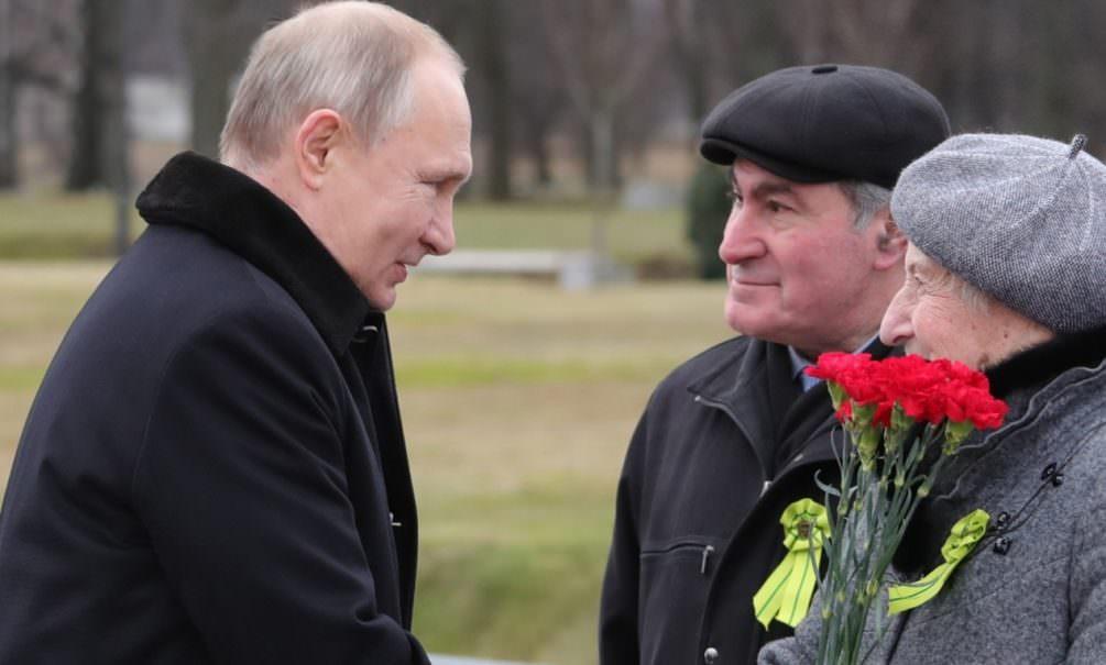 Президент Путин поручил выплатить к 75-летию Победы ветеранам по 75 тысяч рублей