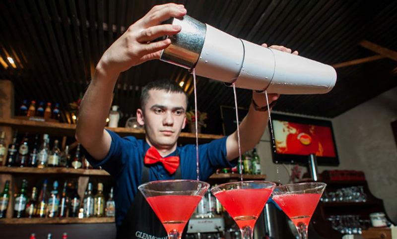 Календарь: 6 февраля - Международный день бармена