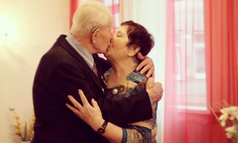 95-летний россиянин женился на 77-летней возлюбленной