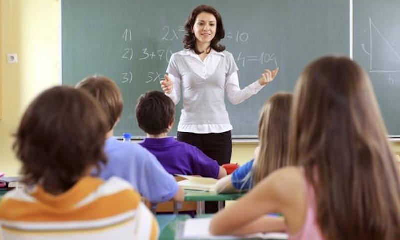 В России родителей заставят платить штраф за издевательства их детей над учителями