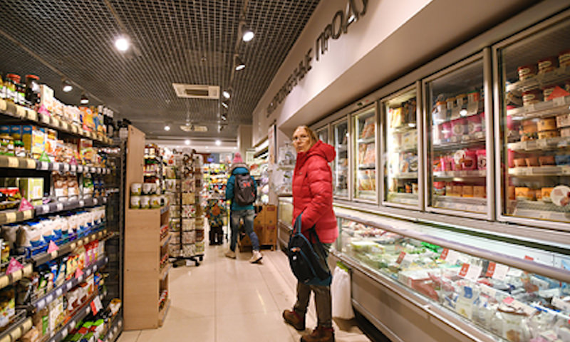 Россияне стали активнее экономить на еде