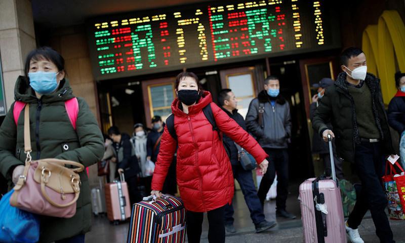 Китайцам временно запретили въезжать в Россию без туристических виз