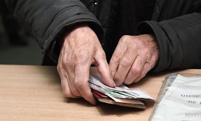 Задерживающих зарплату директоров предложили сажать за решетку на 10 лет
