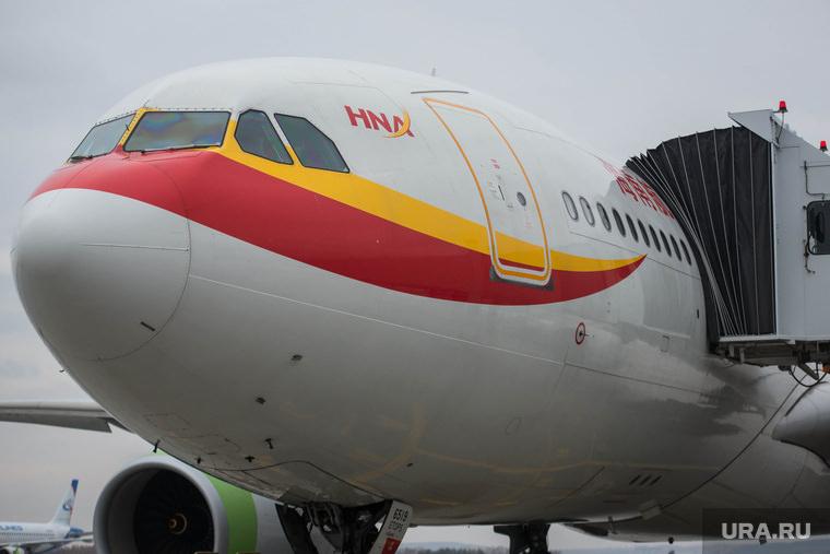 Китайские авиакомпании сократят более 100 пилотов-россиян