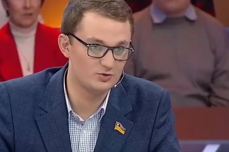 Украинский депутат предложил пенсионерке продать собаку, чтобы  оплатить коммуналку
