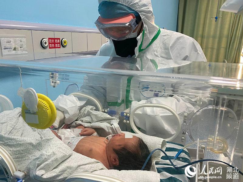 Первый случай коронавируса у новорожденного зафиксирован в Китае