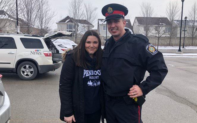 В Канаде школьница нашла набитую деньгами авоську и вернула хозяину