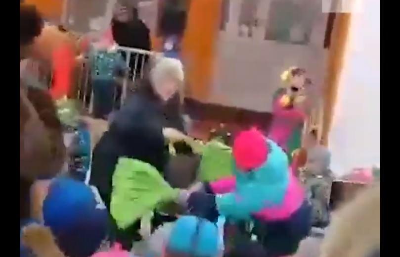 В пермском детском саду на празднике Масленицы детям включили недетскую песню