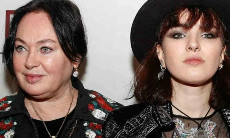 Гузеева о нервном срыве дочери: «Лучше позволить содрать со стены обои, чем кожу»