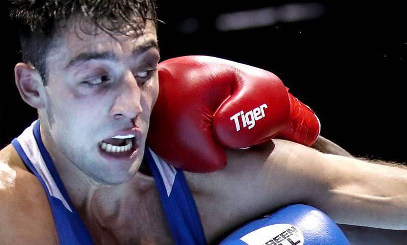 Чемпион России по боксу сломал нос сотруднику Росгвардии, поймавшему его с кокаином