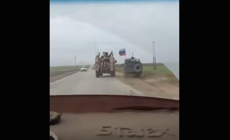 Американский броневик нагло пытался столкнуть с дороги российский «Тигр» в Сирии