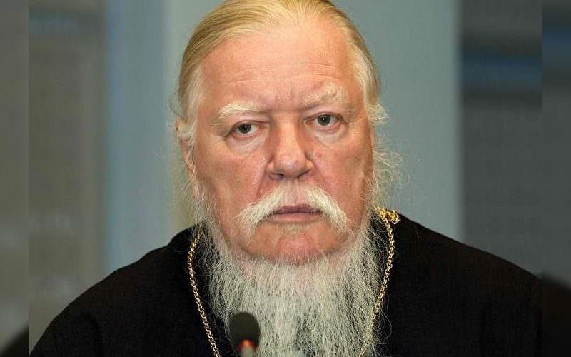 Православный священник предложил закрепить в Конституции «государствообразующую» роль русских