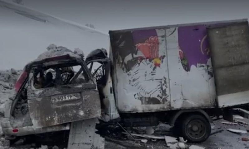Пять человек погибли в страшном ДТП с участием «Газели» в Кузбассе
