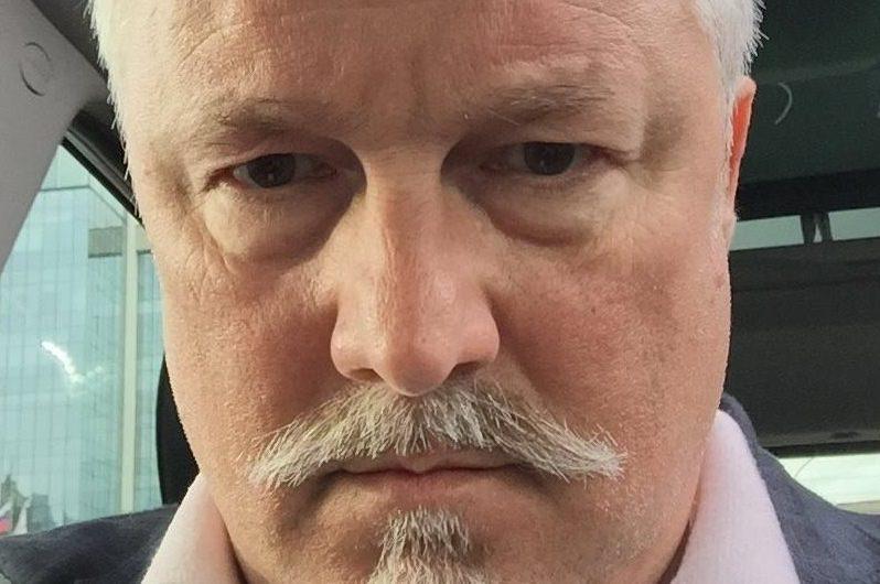 «Водитель выскочил из салона и начал орать матом»: глава ассоциации политтехнологов схлестнулся с «Яндекс.Такси»