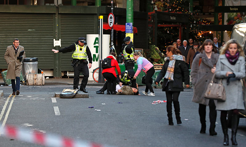 Террорист устроил резню на юге Лондона и был убит