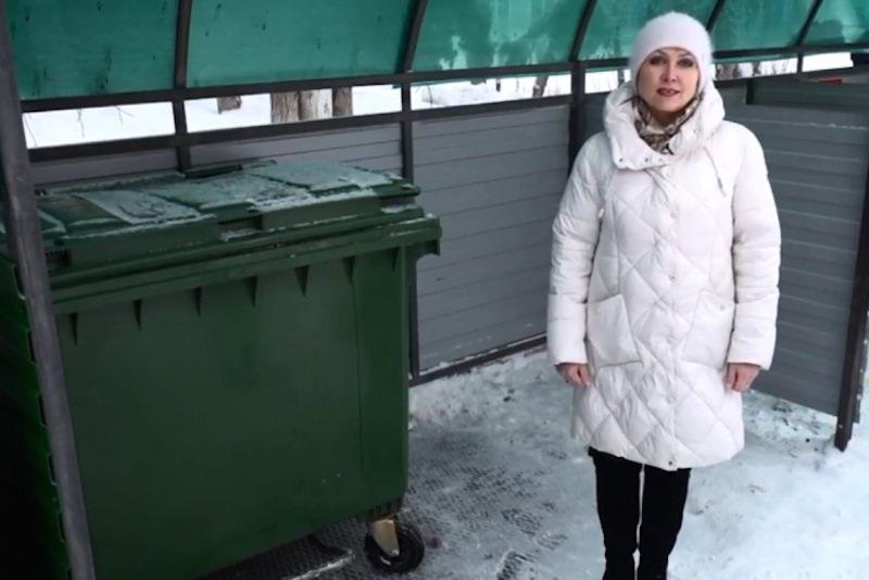 Ода мусоркам насмешила свердловчан