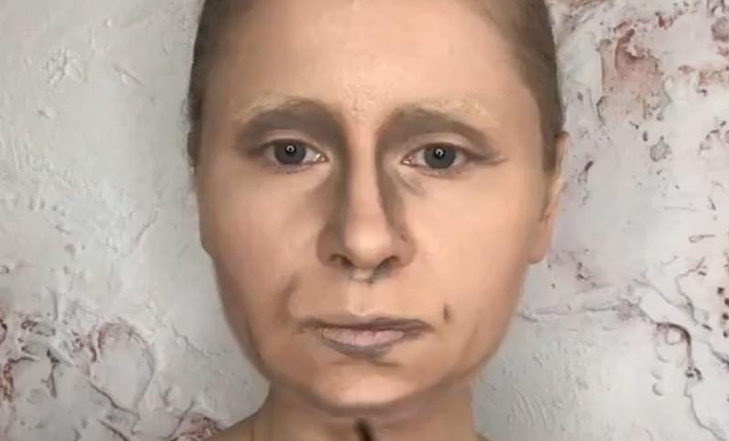 Пользовательница TikTok с помощью кисточки превратилась в Путина