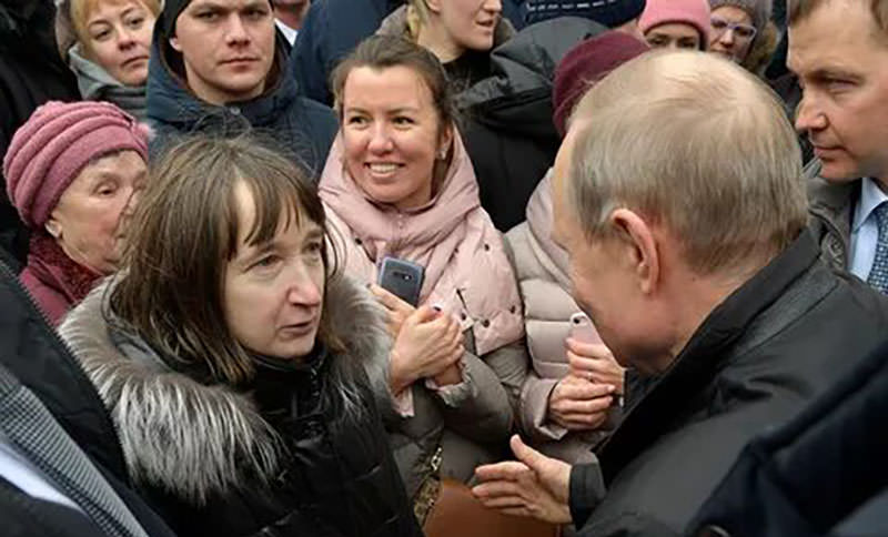 Риторический вопрос: в Кремле не смогли объяснить, как прожить на минимальную зарплату