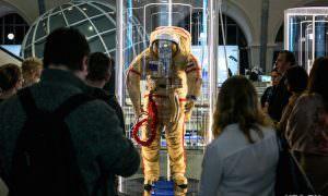 Майора Минобороны поймали на взятке за скафандр для космонавтов