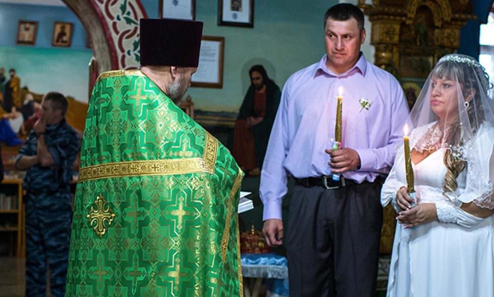 В РПЦ предложили приравнять венчание к официальному браку
