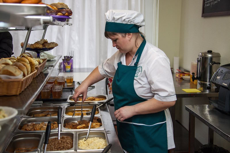 Российские школьники массово пожаловались на чувство голода во время учебы