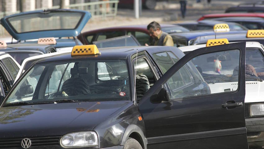 «Такси от банка»: находчивые мошенники придумали для россиян новую схему