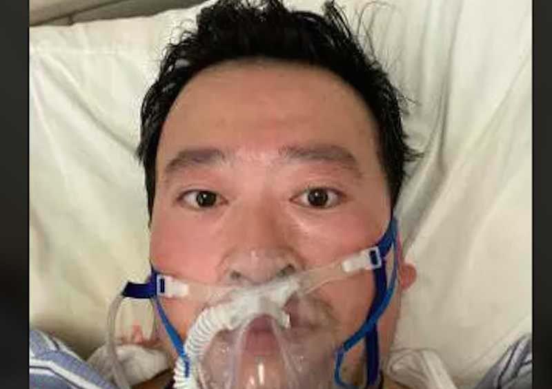 Умер врач, которого полиция обвинила в распространении лжи о коронавирусе врач, которого полиция обвинила в распространении лжи о коронавирусе