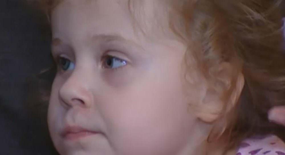 В Москве отказались считать инвалидом девочку с одним глазом