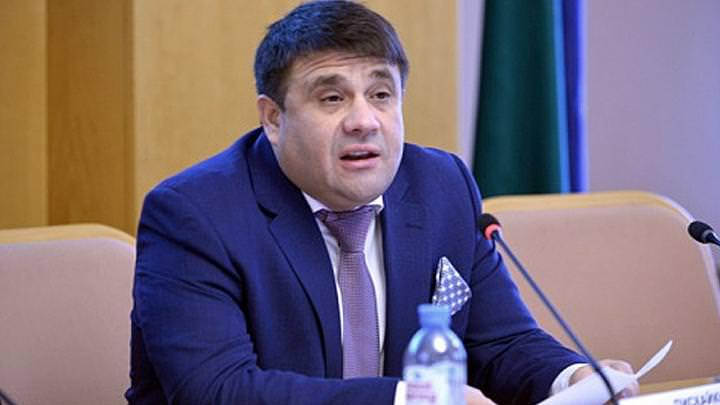 Российский депутат-миллионер призвал дать богачам охрану из-за обвала рубля