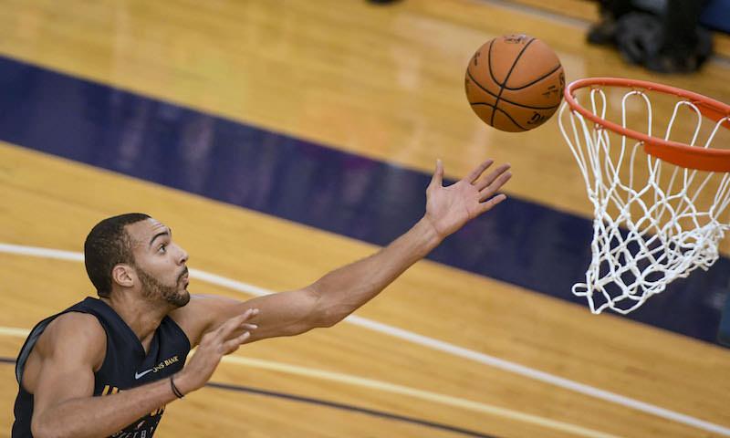 Игрок NBA поиздевался над коронавирусом. И заболел им