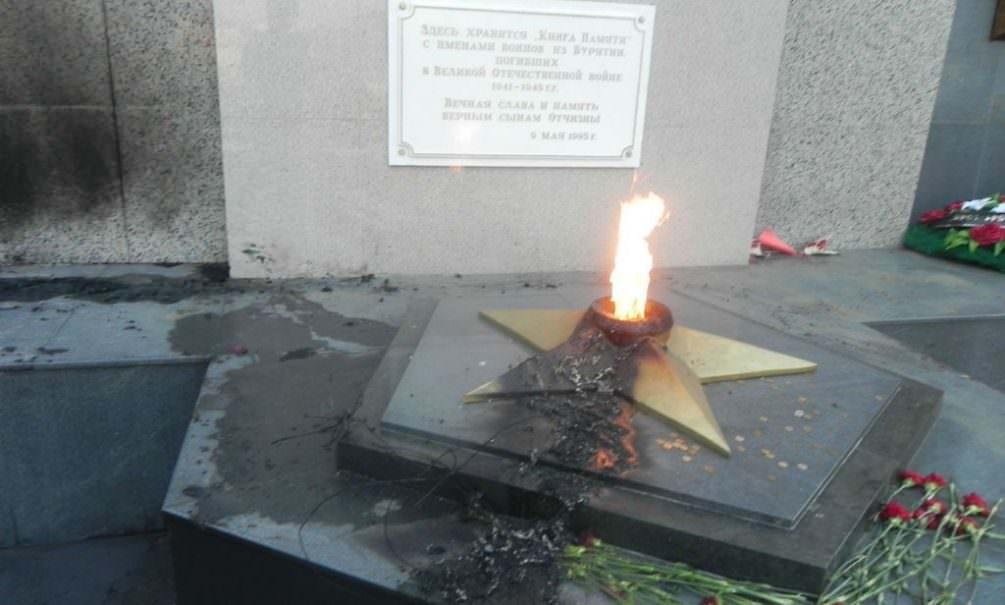 Путин решил ввести уголовную ответственность за уничтожение военных мемориалов