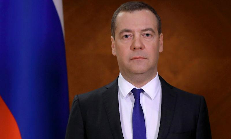 «Это не игра»: Медведев предупредил россиян о жестких мерах из-за коронавируса