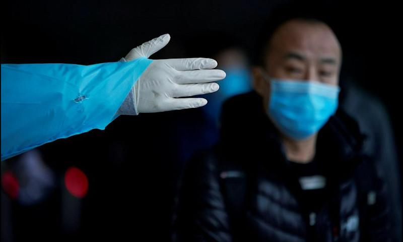 Динамика коронавируса на 12 марта: Трамп запретил въезд из Европы в США