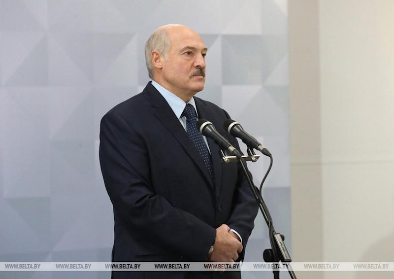 """""""А мы - выживем!"""": Лукашенко пообещал рассказать всю правду о коронавирусе"""