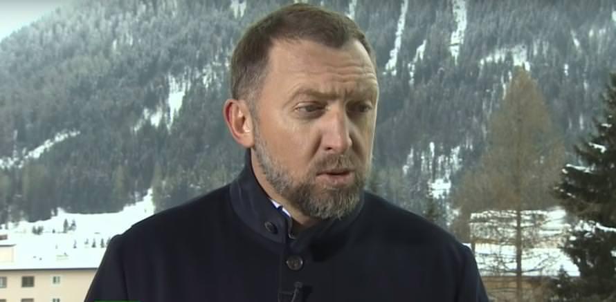 «Пробил дно в своем болотце»: Дерипаска критикует ЦБ РФ за нежелание помочь россиянам