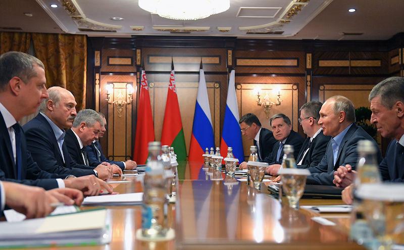 Россия предложила Белоруссии объединить суды, налоговую службу и таможню