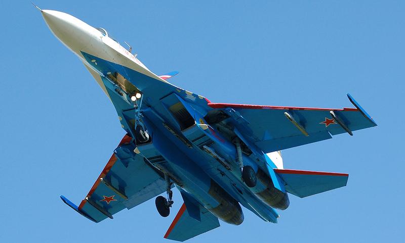 Истребитель Су-27 упал в Черное море