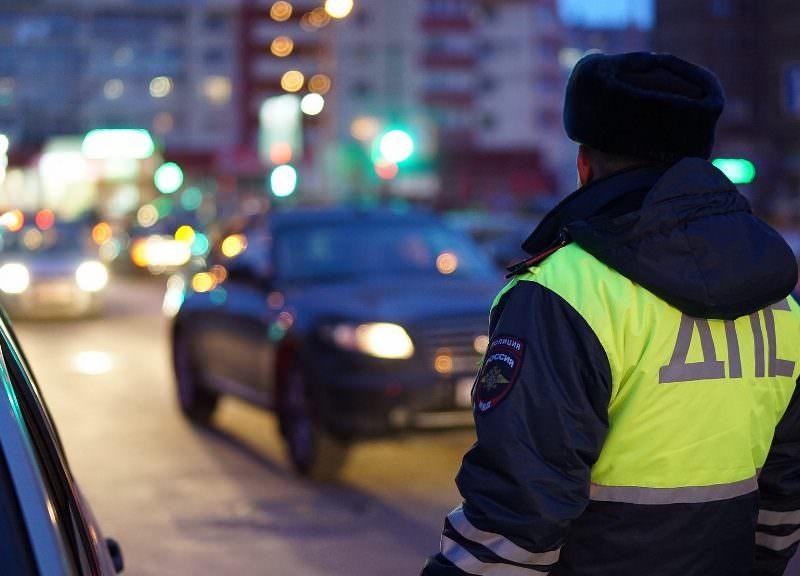 Сотрудники ГИБДД станут реже проверять водителей из-за коронавируса