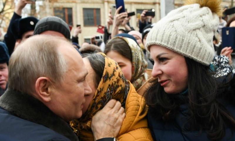 «Лихие 90-е вернулись»: Роза Сабитова разнесла «невесту» Путина из Иванова