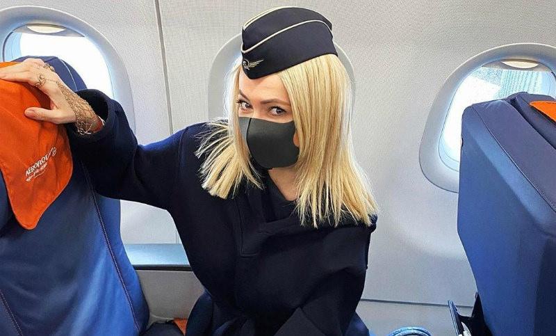 «Сглазили меня»: Рудковская ушла на карантин после поездки в Париж