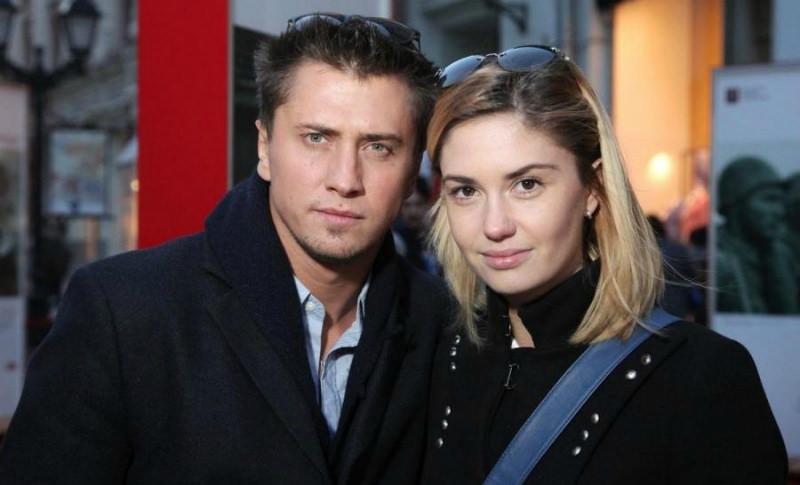«Пусть разберется с тем, что накатавасил»: Агата Муцениеце намекнула на причины развода с Прилучным