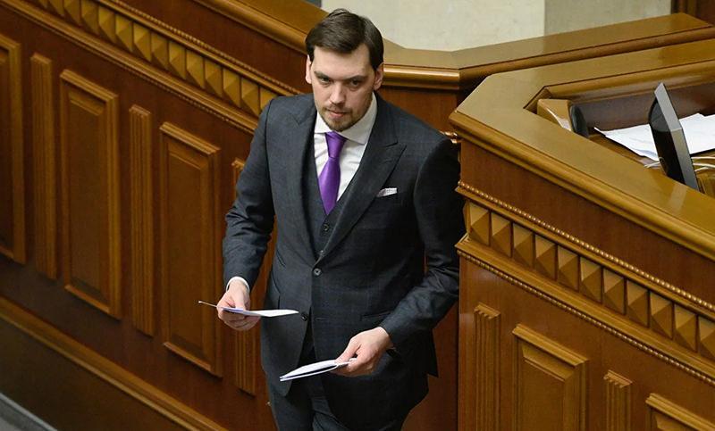 Депутаты Рады уволили главу правительства Украины