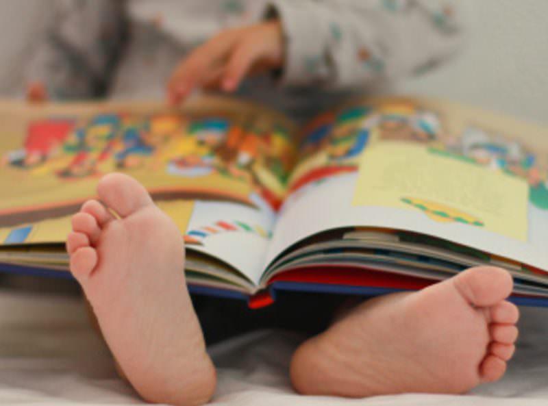 9-летняя россиянка вызвалась читать сказки онлайн скучающим на карантине детям