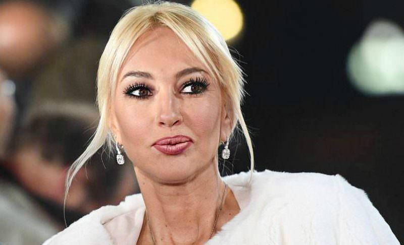«Со свинским отношением мириться не буду»: Кудрявцева уходит с «Муз-ТВ»