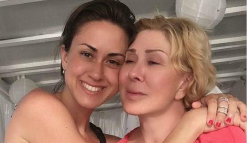 Любовь Успенская упала в обморок и получила ушибы из-за конфликта с дочерью