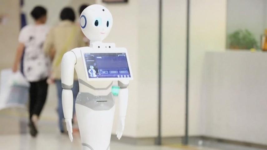 Прогресс однако! За больными коронавирусом в Таиланде ухаживают роботы