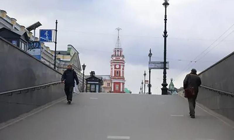 В Санкт-Петербурге объявили всеобщий режим самоизоляции